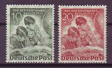 Briefmarken aus Berlin (1949-1990) mit Post- & Kommunikations-Motiv