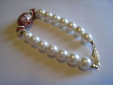 """Gold Tone Pearl Beads Bracelet W/Red Floral Center Bead, Unmarked, 7 1/2"""""""