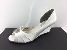 Touch Ups Lee Women's White Wedges 8 M