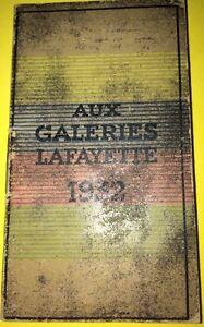 CALENDRIER 1932 offert par les GALERIES LAFAYETTE.