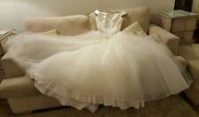 Ball Gown/Duchess Tulle Scoop Neck Regular Wedding Dresses