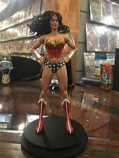 ICON HEROES WONDER WOMAN STATUE PAPERWEIGHT NICE PIECE IN STOCK