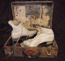 VINTAGE DAVEGA LEATHER WOOD ROLLER SKATES IN METAL BOX VINTAGE RINK STICKER'S