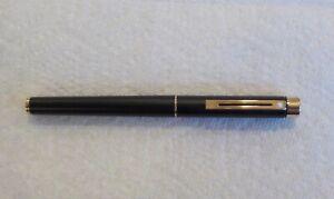 Vintage Sheaffer Targa 1003 Fountain Pen 14k Gold Nib Black With Sticker NICE A4
