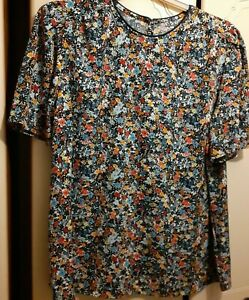 Ladies  short sleeved blouse top size 20.  BNWT  multi colours short sleeves.