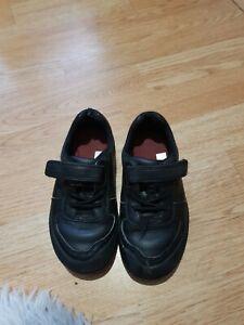 Clarks boys school shoes size 9.5 H