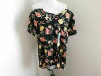 Justify Size S Small Black Floral Print Short Sleeve Knit STRETCH Top Shirt NEW