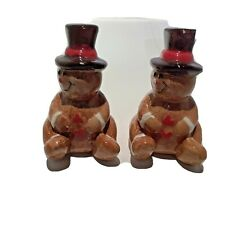 Hallmark Side by Side Dimensional Sitting Gingerbread Men Salt Pepper Shakers