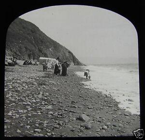 Glass Magic Lantern Slide CRICCIETH - EDWARDIANS ON THE BEACH NO4  C1910 WALES