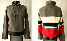 Grobe taillenlange Damen-Pullover mit Stehkragen