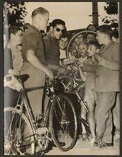 LE HAVRE TOUR DE FRANCE CYCLISTE VELO DARRIGADE FORESTIER PHOTO PRESSE 1950