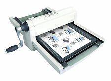 Sizzix 660550 Big Shot Pro Cutting/Embossing Machine with Standard Accessories,