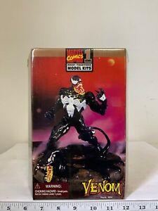 Toy Biz 1996 Marvel Comics Venom Model Kit Level 1 48654 Set