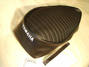 YAMAHA DT250 / RT2-3 / UK /DT2-3 UK SEAT COVER WITH SEAT STRAP