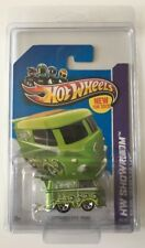 Hot Wheels 2013 Volkswagen Kool Kombi - Green - Protecto - Super Fast Ship 15