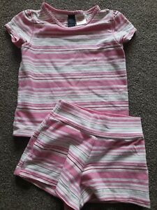 GAP Baby Girls T-Shirt & Shorts Set Aged 2 Years - Excellent Condition