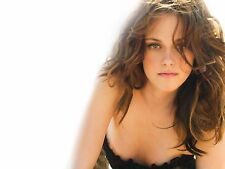Kristen Stewart Unsigned 8x10 Photo (72)