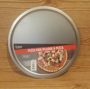 """Cooking Concepts 12"""" Pizza Pan NWT"""
