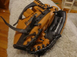 """FRANKLIN 4609 9 1/2"""" RTP Series RIGHT HANDED THROW Youth Baseball Glove"""