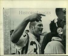 1970 Press Photo Minnesota Viking's Bill Brown at interview in New Orleans