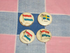 e. 4 Late 1800's Flag Pins  Gum Cigarettes Netherlands Paraguay Sweden S Afri Re