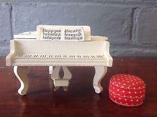 VINTAGE LUNDBY dolls house furniture PIANOFORTE E POUF