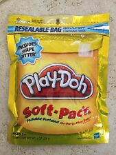BRAND NEW SEALED Play-Doh Soft Pack and 1 Shape Cutter 8 oz - Yellow
