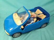 Muñeca Barbie Rubia 1995 Peto vaquero y botas + Coche Deportivo Convertible Azul