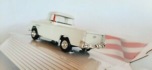 1/43 O scale ERTL 1955 Chevrolet Cameo with cover pick up truck