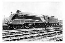 pt0740 - LNER Steam Train Golden Shuttle at Doncaster Yorkshire - photo 6x4