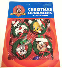 LOONEY TUNES CHRISTMAS ORNAMENTS IN PLASTIC CANVAS LEAFLET ROAD RUNNER COYOTE