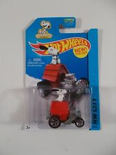 Hot Wheels 1/64 HW City Snoopy