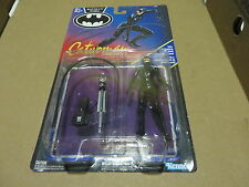 CATWOMAN taser & whipping arm #  63650 MOC BATMAN RETURNS french - canadian