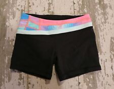 IVIVVA by Lululemon RHYTHMIC Reversible Shorts Dance Gym Black Quilt Stripe 10