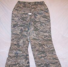 (F50) ABU AIR FORCE CAMOUFLAGE  WOMAN'S UTILITY AIR FORCE TROUSERS 18 L