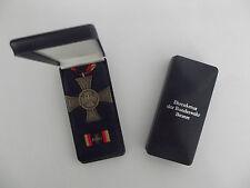 * (a14-302) Bundeswehr cruz de honor en bronce en el estuche