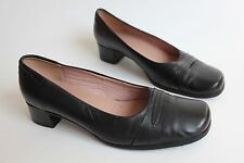 Clarks womens cushion soft black leather mid heels uk 8