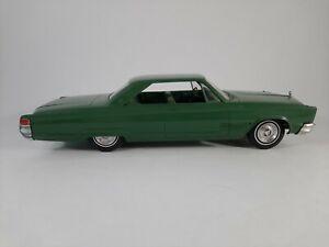 Vtg 1966 Green Chrysler 300 Jo-Han Promo Plastic Car Friction