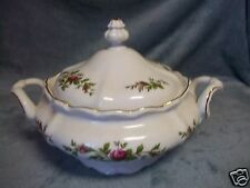 JOHANN HAVILAND MOSS ROSE COVERED VEGETABLE CASSEROLE BAVARIA, GERMANY EUC