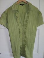 JH416)Pretty green short sleeved ladies blouse size 22 TU Debenhams Collections