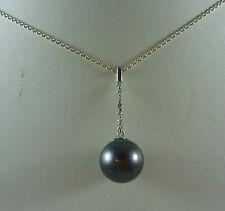 WONDERFUL 18CT K WHITE GOLD TAHITIAN BLACK PEARL AND DIAMOND PENDANT