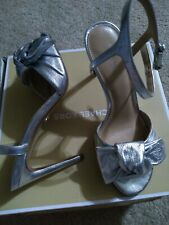 Michael kors silver metallic Sandals Heel Size 6 Shoes.nib