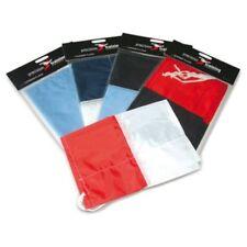 Équipements de football drapeaux noirs
