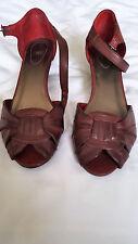 ❤️ Sandali rosso scuro con cinturino n. 40 (Uk 7)