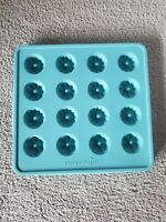 """Pampered Chef Fluted Chocolate Mold 16 Pc 1"""" Candy Silicone Bakeware #1608"""