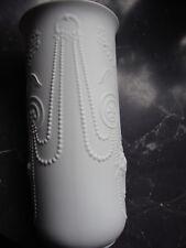Kaiser Bisquitporzellan Vase Design: M.Frey H:ca 24,2 cm