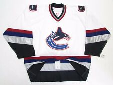 VANCOUVER CANUCKS AUTHENTIC WHITE TEAM ISSUED REEBOK 6100 HOCKEY JERSEY SIZE 58