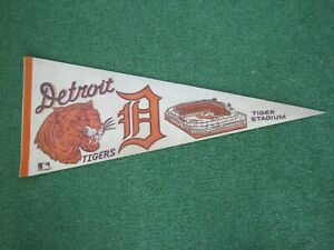 "Vintage Detroit Tigers 29 1/2"" Felt Pennant 1970s"