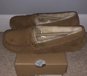 NWT UGG Size 8 Scalloped Moccasin Slipper Loafer CHE Chestnut