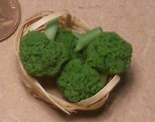 1:12 Scale 4 Broccoli In A Basket Dolls House Vegetable Kitchen Food Accessory